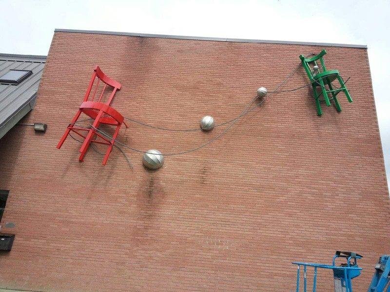 Peinture extérieure d'école sur la Rive-Sud