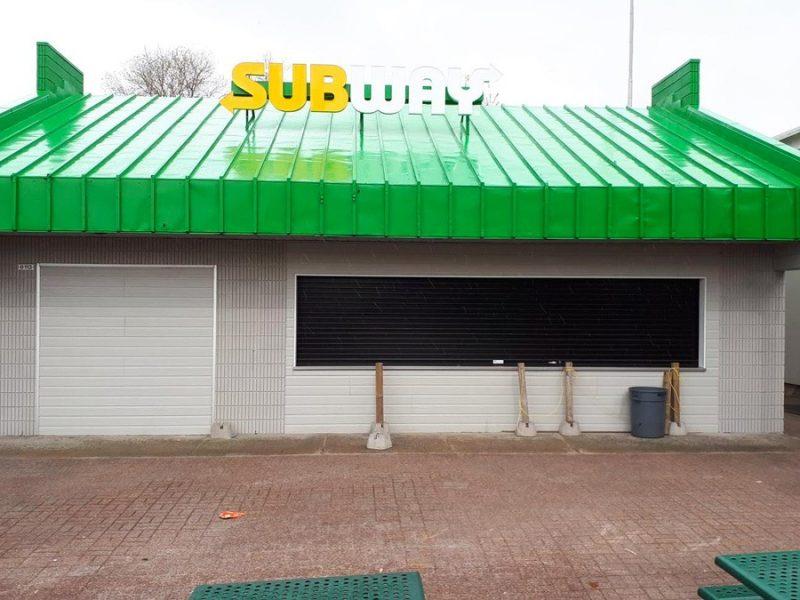 Travaux de peinture de toits et de revêtement extérieurs