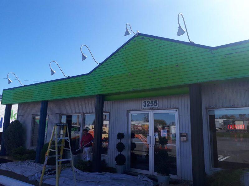 Peinture extérieure de toiture
