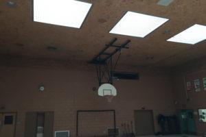 Préparation et peinture d'un gymnase d'école