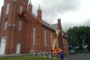 Peintres en préparation et peinture d'églises