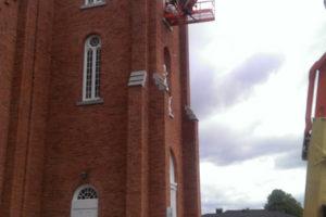 Peinture extérieur avec nacelle d'église