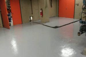 Uréthane solide sur plancher de béton